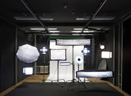 Nové foto – film studio začne sloužit veřejnosti